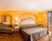 Camera-Deluxe-Hotel-Palazzo Guardati
